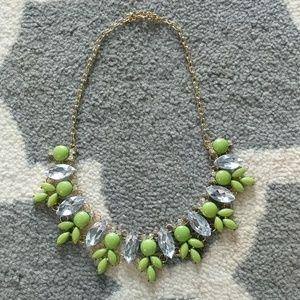 Nwot green crystal statement leaf necklace